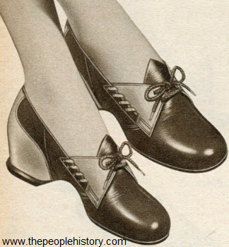 Two Eyelet Tie Shoe 1952