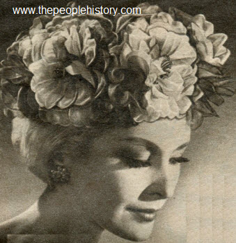 1962 Blossoming Rose Cap