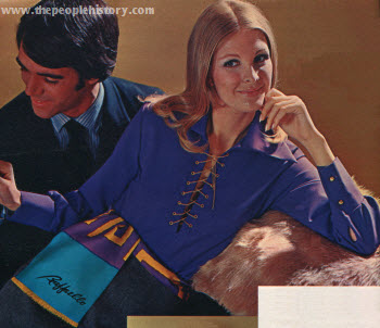 Shoestring Chain Lace-Up Top 1970