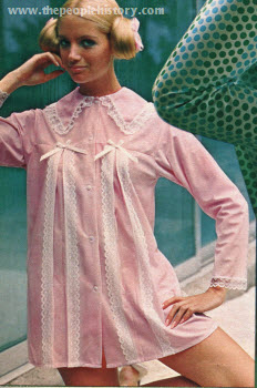 Tie Up Bow Sleep Shirt 1970